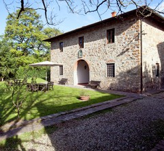 Provincial Holiday Home with Swimming Pool in Tuscany 1