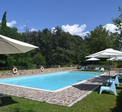 Provincial Holiday Home with Swimming Pool in Tuscany 2