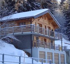 Peaceful Chalet in La Tzoumaz with Mountain View 1