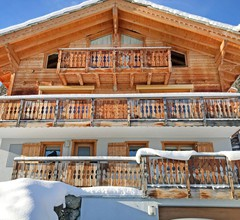 Stunning Mountain View Chalet and Jacuzzi in Les Collons 2