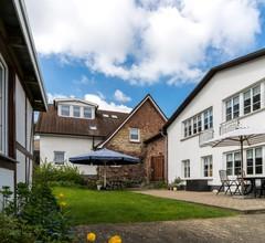 Elegante Ferienwohnung in Wohlenberg mit Gartensitzplatz 2