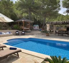 Cozy Villa in Ibiza with swimming pool 2