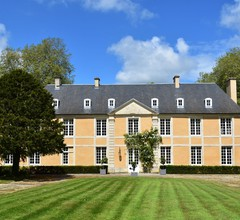 Luxurious Mansion in Castle Grounds in Lantheuil 1