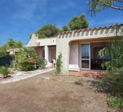 Cosy Holiday Home in CargÃse Corse-du-Sud near Sea 2