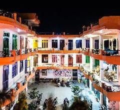 Live Free Hostel Rishikesh 2