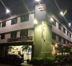 OYO 44114 Hotel 916 1