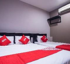 OYO 44097 Avatarr Hotel 2