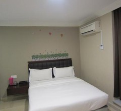 Golden Summer Hotel 1