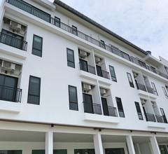 Good Morning Hotel at TakuaPa 1