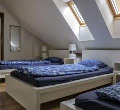 Hostel One Miru 1