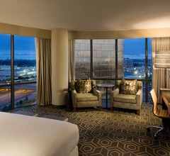 DoubleTree by Hilton Hotel Dallas - Campbell Centre 2