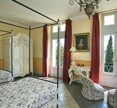Chateau Des Fines Roches 1