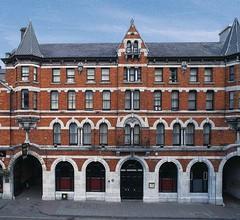 Isaacs Hotel Cork City 1