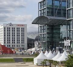 MEININGER Hotel Berlin Hauptbahnhof 2