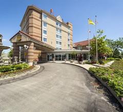 Monte Carlo Inn Airport Suites 1