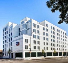 SpringHill Suites by Marriott New York LaGuardia Airport 2