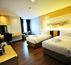 Parinda Hotel 2