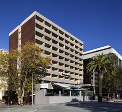 Travelodge Hotel Perth 1