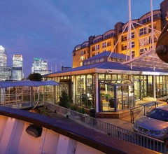 DoubleTree by Hilton London - Docklands Riverside 2