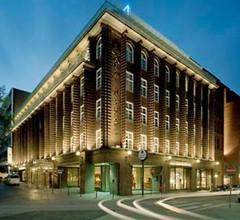 Renaissance Hamburg Hotel 2