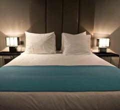 Hotel Glow 1