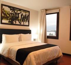 Hotel Charlotte Plaza 26 2