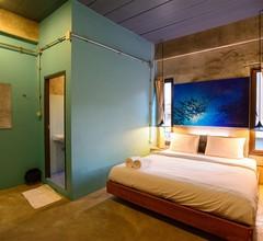 Seabox Khaolak Hostel 2