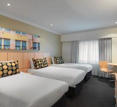 Travelodge Hotel Sydney 1