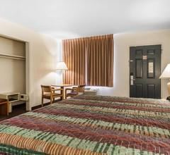 Rodeway Inn & Suites 2