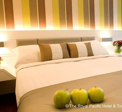 The Royal Pacific Hotel & Towers 2
