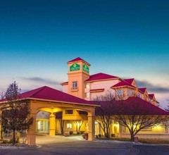 La Quinta Inn & Suites by Wyndham Denver Southwest Lakewood 2