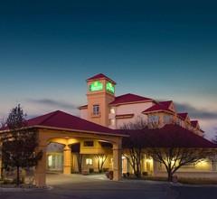 La Quinta Inn & Suites by Wyndham Denver Southwest Lakewood 1