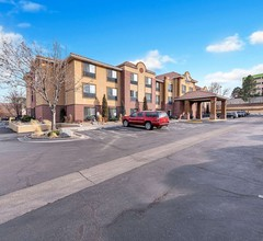 Comfort Suites Lakewood - Denver 1