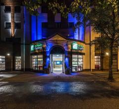 Holiday Inn Express Belfast City 2