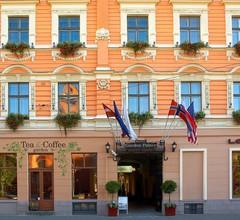 Garden Palace Hotel 1