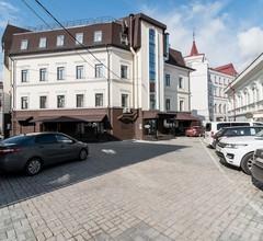 Maksim Gorkiy Hotel 1
