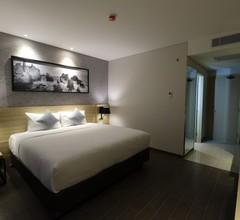 Hotel AYOLA Lippo Cikarang 1