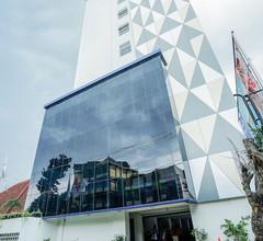 Radja Art and Boutique Hotel Semarang 1