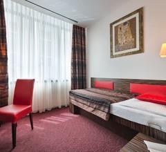 EA Hotel Crystal Palace 2