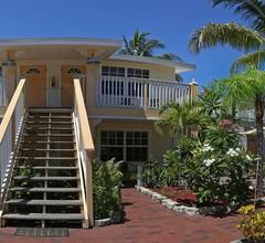 Manatee Bay Inn 1