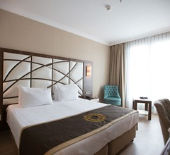 The Grand Mira Hotel 2