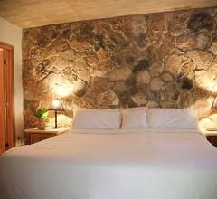 Tingum Village Hotel 2