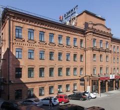 AZIMUT Hotel Tulskaya Moscow 1
