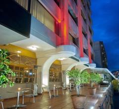 Hotel Reina Isabel 2