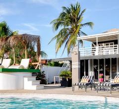 Modern Hotel Aruba 2