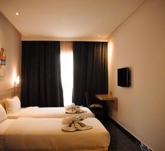 Hotel A44 1