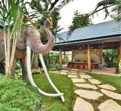 The Nine Thipthara Klongson Resort 2