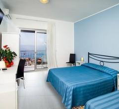 Maniel Beach Hotel 2