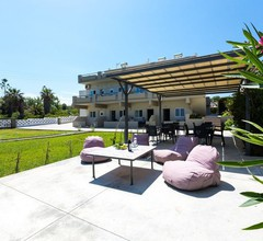 Yiannis Apartments 2