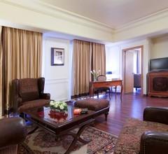 Le Commodore Hotel 2